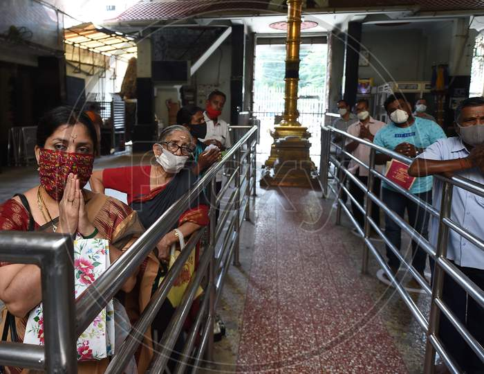 Devotees Queue Maintaining Social Distancing At A Temple As The Government Eased A Nationwide Lockdown Imposed As A Preventive Measure Against The Covid-19 Coronavirus, In Chennai On September 1, 2020.