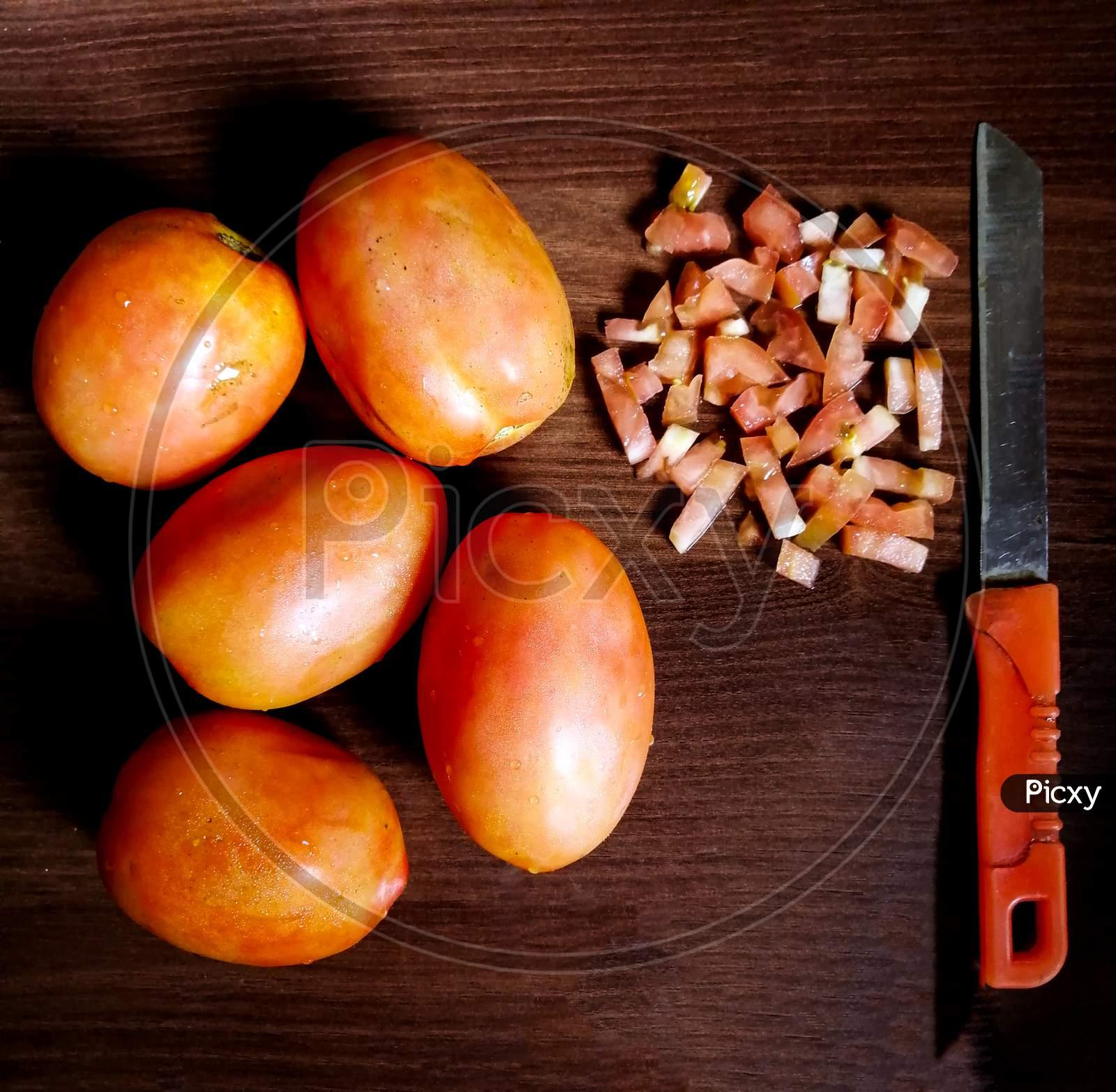 cuting tomato's