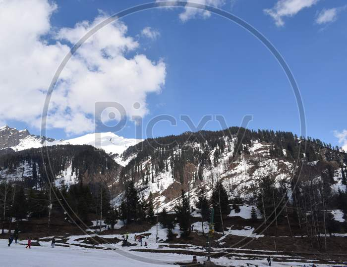 snow mountain manali solang valley