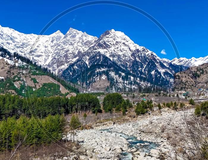 Solang Valley, A beautiful Himalayan mountains