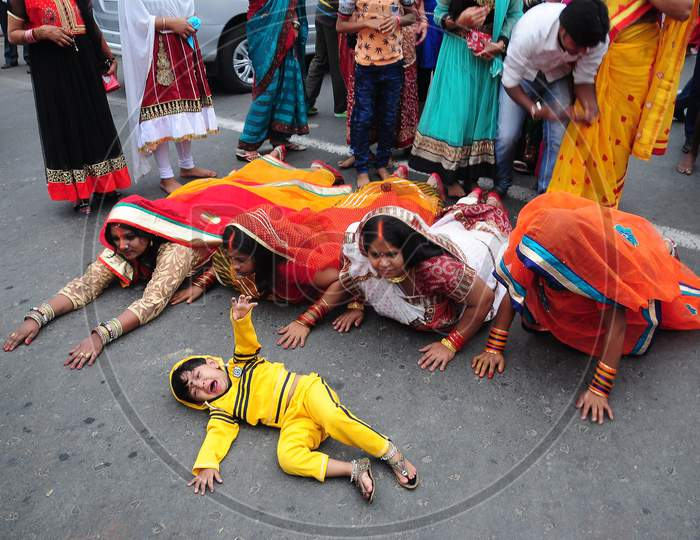 The chat puja ritual in the street of Kolkata.