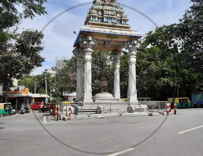 Beautiful view of Sri Kempegowda Statue and Tower in front of the circle of Gavi Gangadareshwara Temple, Gavipuram