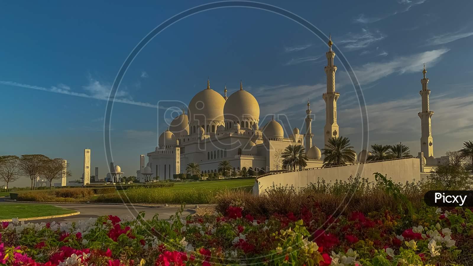 Sheikh Zayed Grand Mosque In Abu Dhabi, Ramadan Mubarak 2021