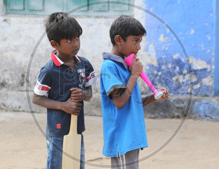 Indian Children's watching