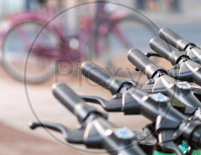 Bike sharing provider and electro scooter provider compete in urban cities with the automobile traffic and offer sustainable mobility for a green mobility in cities