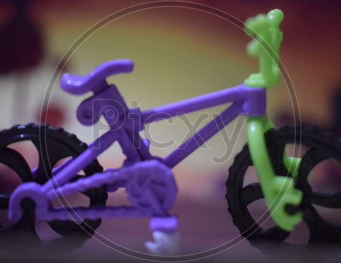Small toy cycle